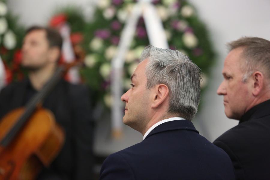 Prezydent Słupska Robert Biedroń (2P) oraz ks. Wojciech Lemański (P)