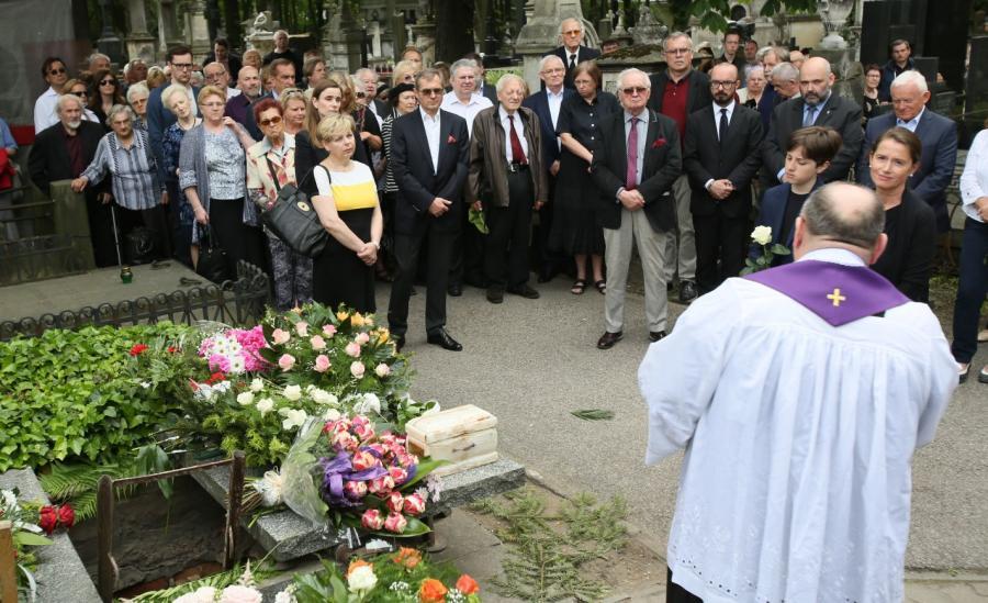 Rodzina i przyjaciele żegnają Barbarę Jaruzelską