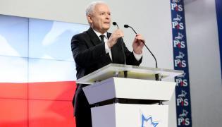 Prezes PiS Jarosław Kaczyński podczas konferencji prasowej w siedzibie Prawa i Sprawiedliwości