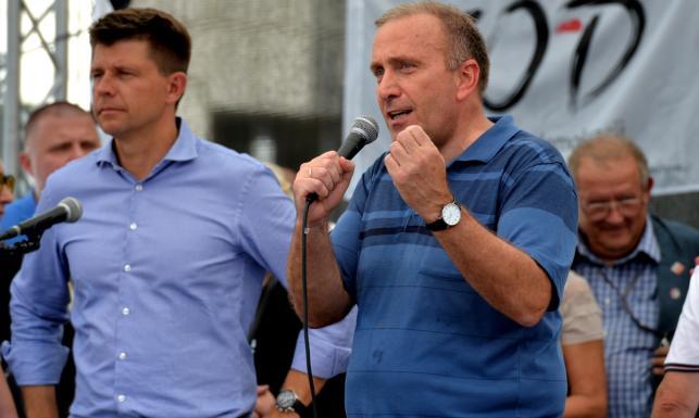 Wypaleni liderzy opozycji. SONDAŻ pokazuje, że wyborcy chcą dla niej nowych szefów