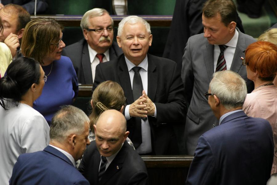 Jarosław Kaczyński i posłowie PiS