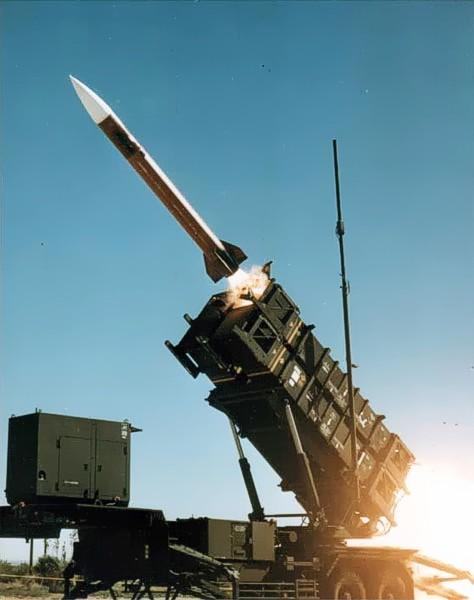 Zestawy Patriot produkowane przez Raytheon