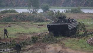 Wojsko usuwa zniszczenia po nawałnicy