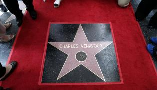 Gwiazda Charlesa Aznavoura w hollywoodzkiej Aleji Sław