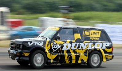Czas 8,88 sekundy i wyrównany rekord życiowy - to wyniki, jakie wykręcił Marcin Blauth za sterem GMC Typhoon w finale zawodów o puchar Polski na ćwierć mili. Kierowca Dunlop Teamu utarł nosa najlepszym z najlepszych - wygrał w klasie King of Race