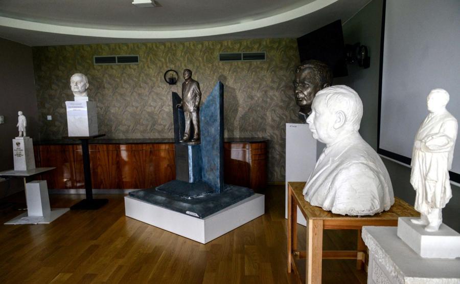 Projekty pomników Lecha Kaczyńskiego
