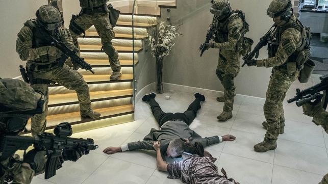 """Bogusław Linda w filmie Patryka Vegi """"Kobiety mafii"""""""
