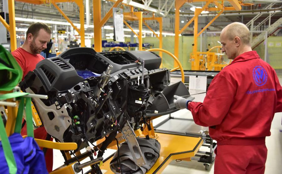 W Volkswagen Poznań wszyscy pracownicy objęci są opieką zdrowotną na terenie  poszczególnych zakładów