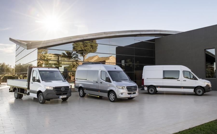 Mercedes twierdzi, że nowy Sprinter z rozstawem osi do 4325 mm (przy napędzie na tył) lub 3924 mm (przy napędzie na przednie koła) trafia w potrzeby właściwe każdego sektora i segmentu klientów