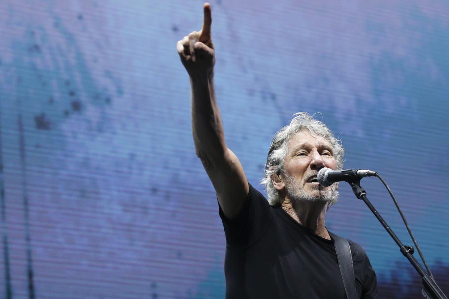 Roger Waters podczas koncertu w Lizbonie w maju 2018 roku w ramach trasy Us +Them