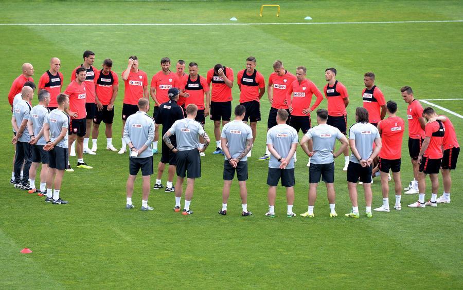 Piłkarze reprezentacji Polski podczas treningu w Arłamowie