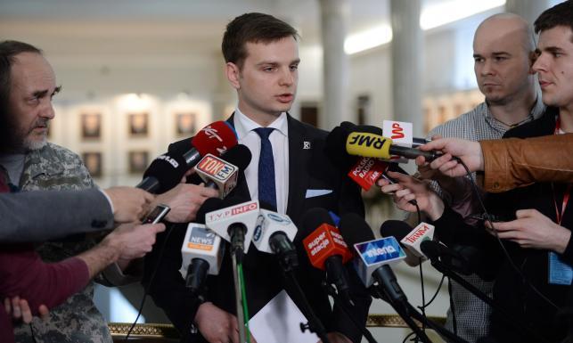 Poseł Kukiz'15 ws. referendum konstytucyjnego: Nie spodziewałem się, że można wymyślić gorsze pytania niż Komorowski