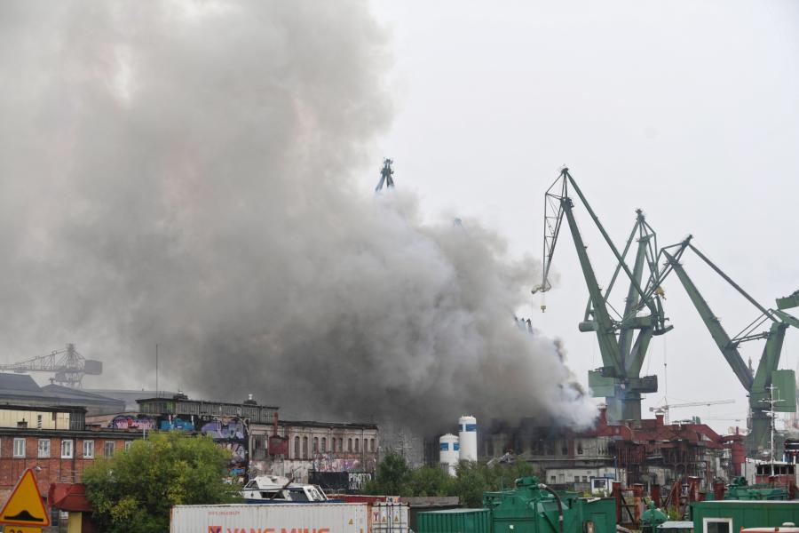 Pożar hali zlokalizowanej w centrum Gdańska