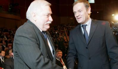 Polacy: Tusk i Wałęsa to mężowie stanu