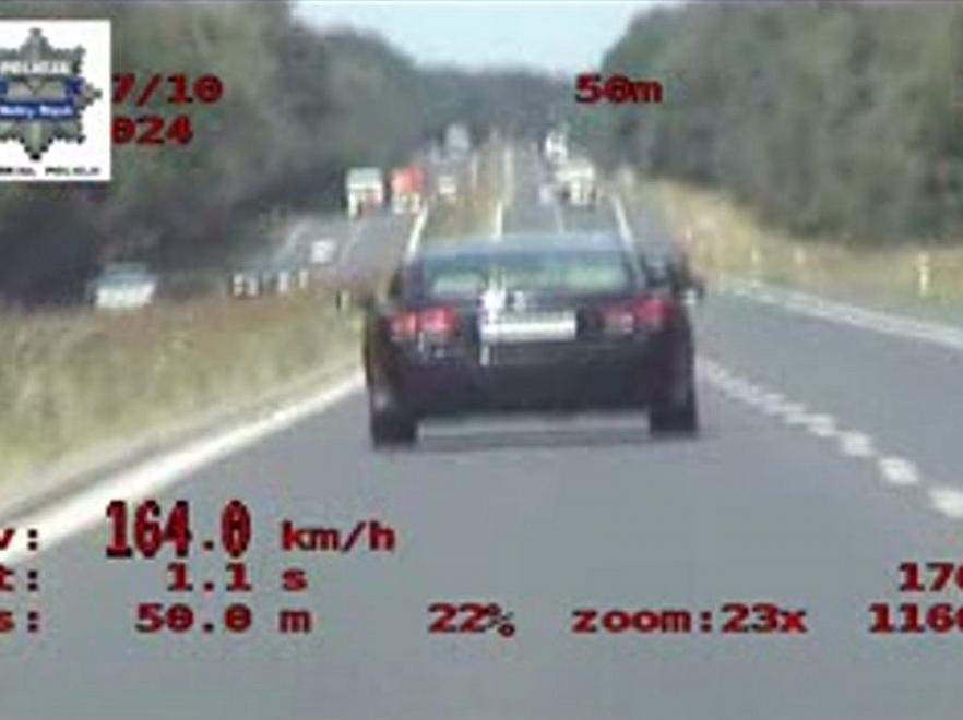 200 km/h! Zobacz pościg za staruszkiem w Lexusie