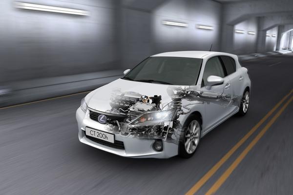 Hybrydy są bezpieczniejsze niż samochody konwencjonalne