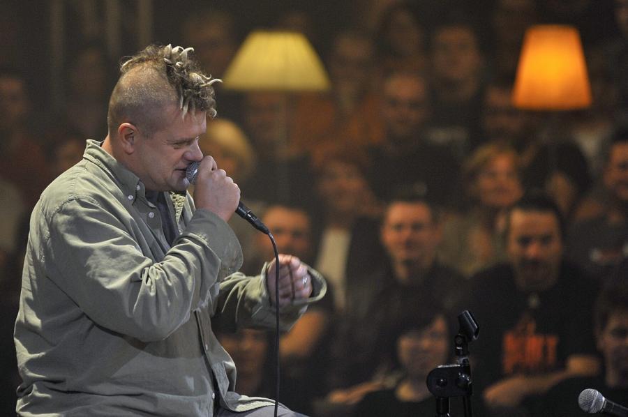 Kult rządzi na polskiej liście sprzedaży płyt
