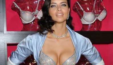 Adriana Lima prezentuje wart 2 miliony dolarów Bombshell Fantasy Bra