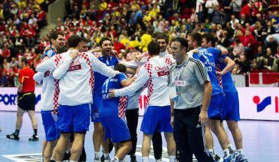 Chorwaci cieszą się po wygraniu meczu z Polską