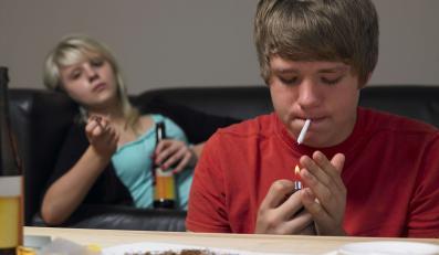 Pierwszy kontakt najczęściej z piwem mają za sobą 11-12-letni uczniowie