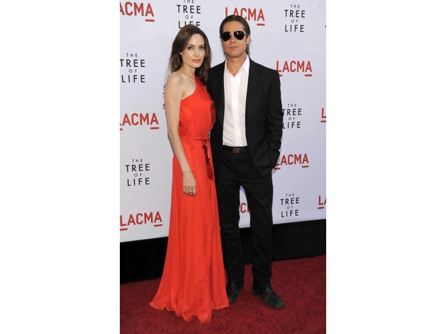 Posągowo piękna para - Angelina Jolie i Brad Pitt na premierze filmu \