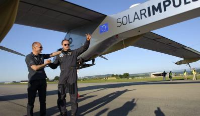 Samolot na energię słoneczną wrócił do szwajcarskiej bazy
