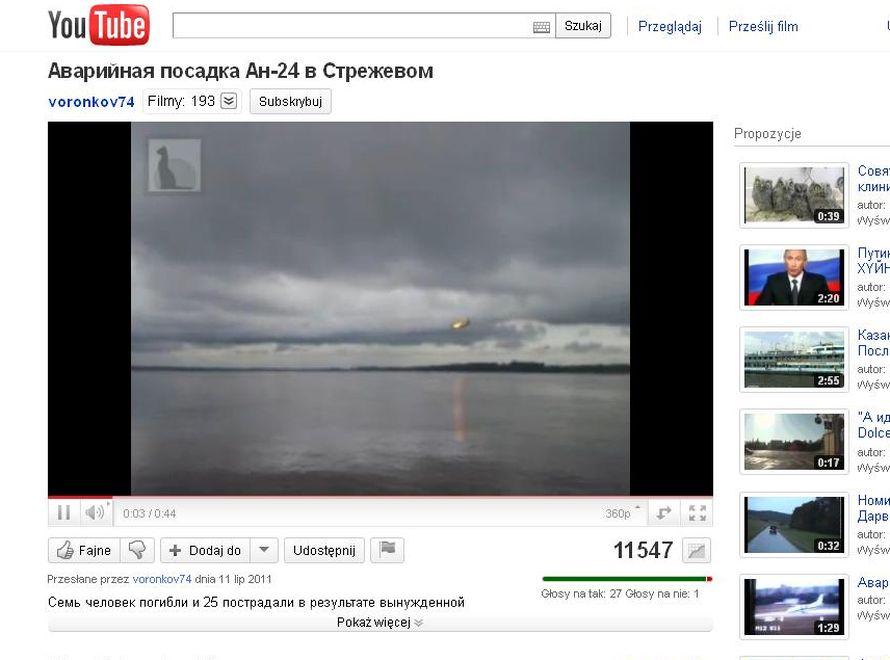 Płonący samolot An-24 uderza w taflę rzeki Ob