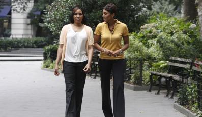 Nafissatou Diallo (po lewej) przedstawia swoją wersję wydarzeń