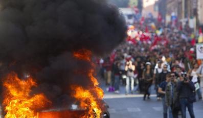 """Protest """"oburzonych"""" w Rzymie"""