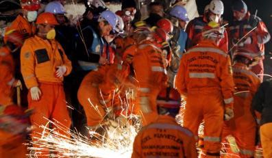 Cud w mieście Ercis. 13-letni chłopiec przeżył pod gruzami 108 godzin