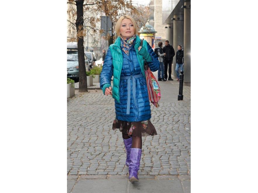 Edyta Olszówka przesadziła z kolorami i tkaninami.