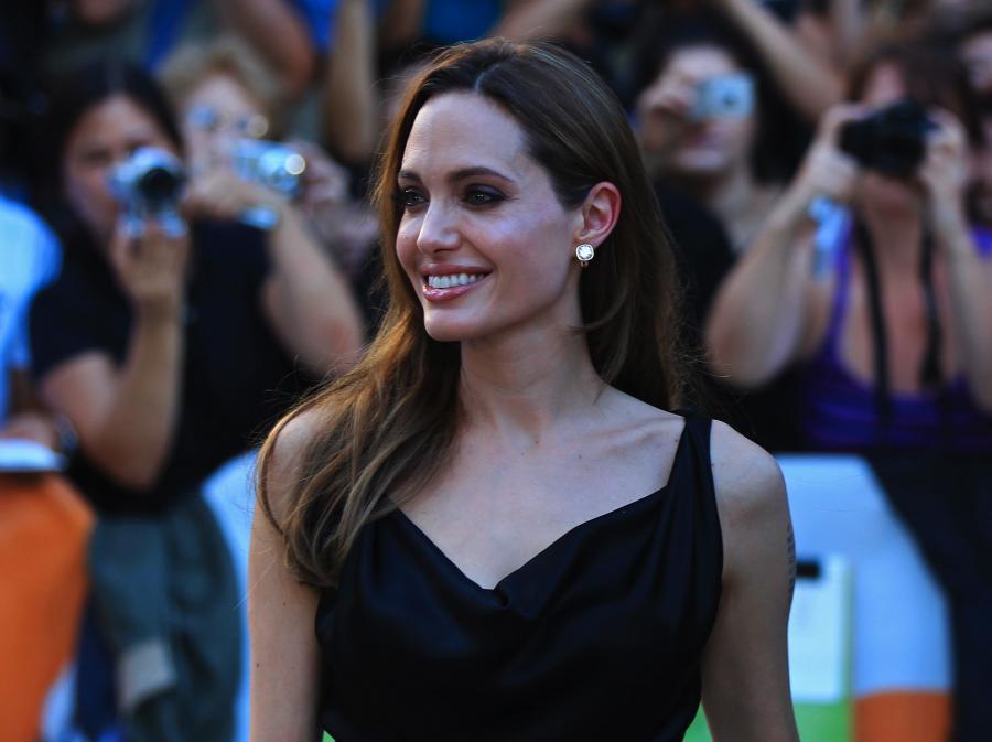 Angelina Jolie jedzie z kamerą do Afganistanu