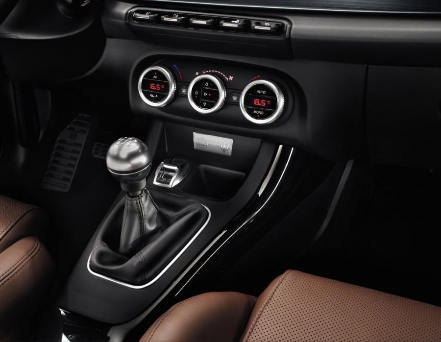 Alfa Romeo Giulietta i Maserati
