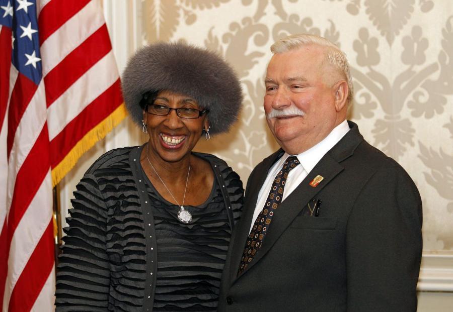 Lech Wałęsa i Carrie M. Austin