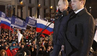 Władimir Putin i Dmitrij Miedwiediew - dwaj prezydenci Rosji
