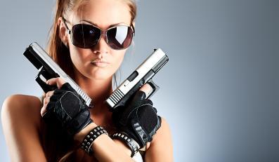 Kobieta z bronią