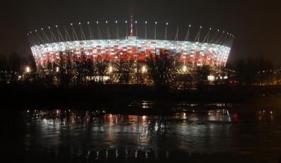 Stadion Narodowy w Warszawie nocą