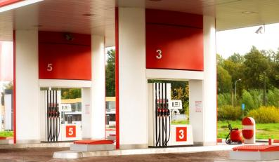 Stacje benzynowe bezkarnie łupią kierowców