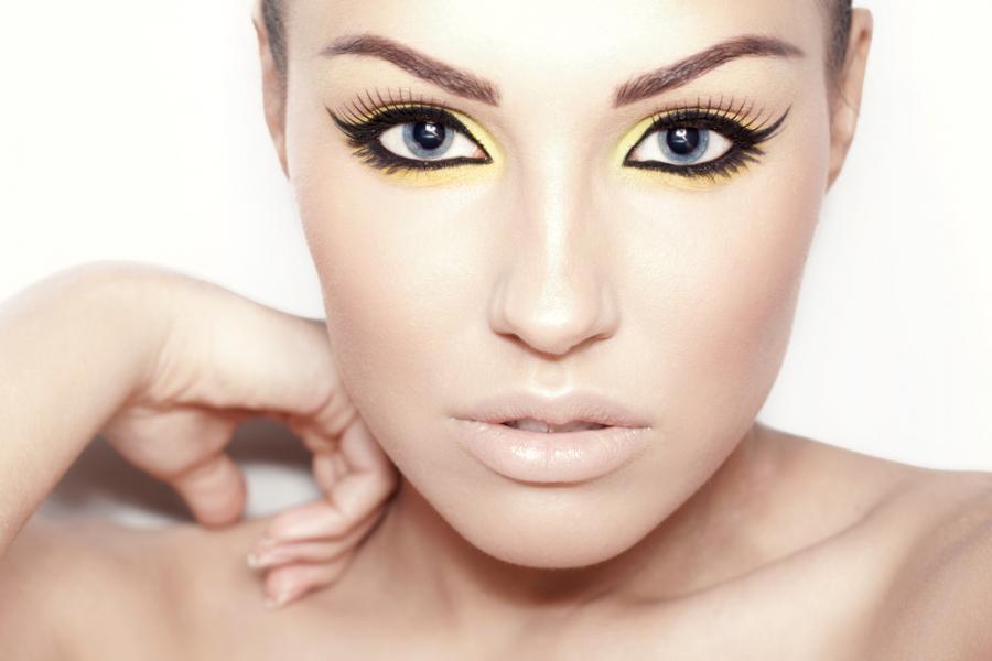 Kobieta w makijażu \