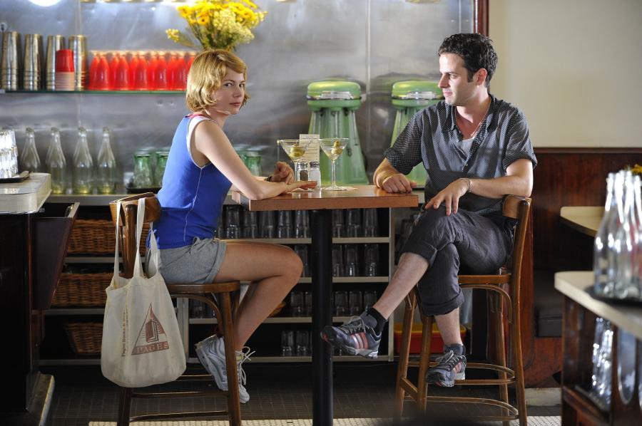 Michelle Williams i Luke Kirby w filmie \