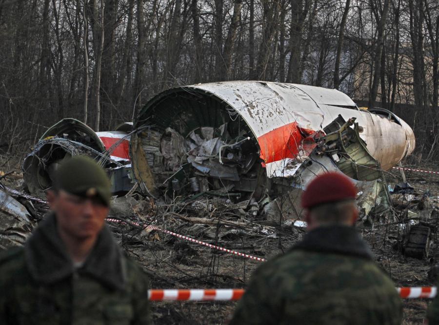 Szczątki tupolewa pilnowane przez Rosjan