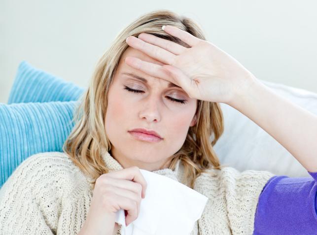 Czym różni się grypa od przeziębienia, w jaki sposób można to rozróżnić?