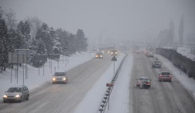 Śnieg na drodze