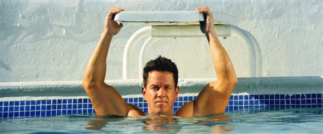 """Mark Wahlberg w filmie """"Sztanga i cash"""""""
