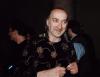 """Marek Jackowski poczas koncertu """"Maanam i goście"""" w Sali Kongresowej – 16 kwietnia 2000 roku"""
