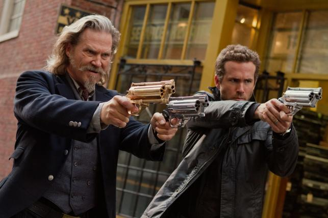 """Jeff Bridges i Ryan Reynolds w filmie """"R.I.P.D. Agenci z zaświatów"""""""