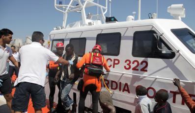 Włoskie służby ratownicze na Lampedusie