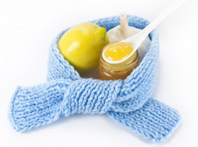 Miód z cytryną na przeziębienie i grypę