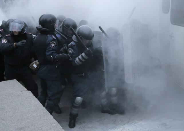 Zamieszki w Kijowie. Władza ściąga wojsko do stolicy?