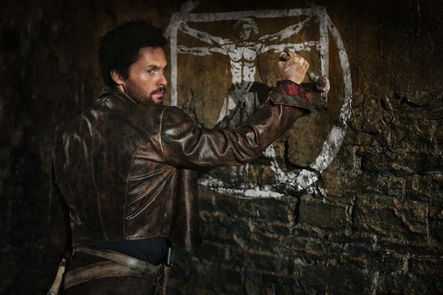 "Tom Riley w serialu ""Demony da Vinci"""
